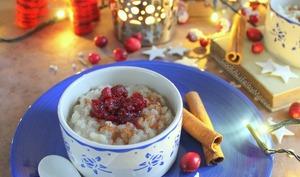 Riisipuuro, riz au lait à la cannelle finlandais et sa compotée de cranberries