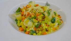 Fregola sardes aux légumes, crémeux de gruyère et Parmesan