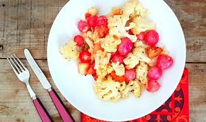 Poêlée de chou-fleur, radis et pommes