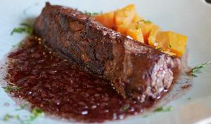 Onglet grillé sauce au vin et patate douce