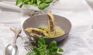 Nems d'escargots aux champignons et coulis de mâche