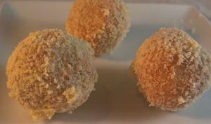 Truffes spéculoos, chocolat blanc, ricotta et orange