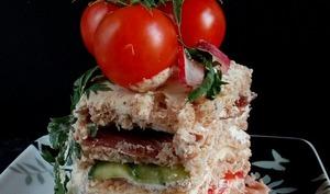 Sandwich cake XXL à la Coppa et crudités