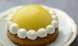 Tartelettes dôme de citron et framboises meringuées