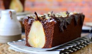 cake au chocolat et poires entières
