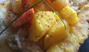 Crevettes ananas dans son écrin de fruit