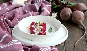 Gnocchis de betterave au beurre noisette à la sauge