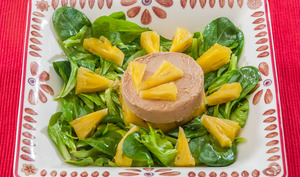 Salade de foie gras à l'ananas