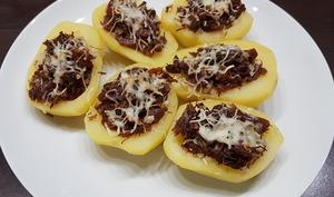 Pommes de terre farcies au canard confit