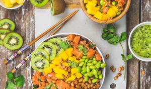Buddha bowl au saumon et aux kiwis