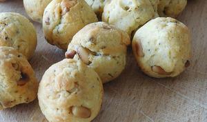 Cookies balls aux pignons de pin et herbes de Provence