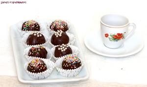 Boules au chocolat.