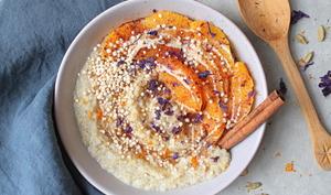 Porridge quinoa, orange, cannelle et cardamome