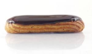 Éclair au chocolat avec crémeux au chocolat