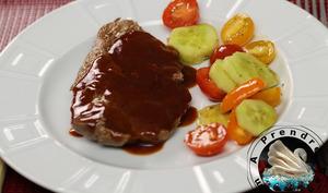 Steak d'aloyau grillé sauce BBQ maison