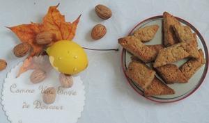 Canistrelli, biscuits croquants aux noix, citron et orange