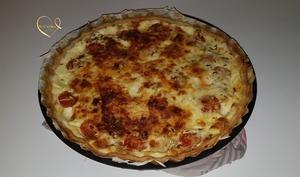 Quiche au thon et tomates cerise agrémentée de mozzarella