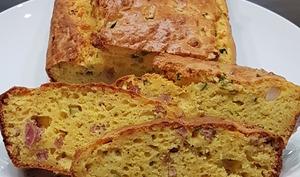Cake ricotta courgettes lardons