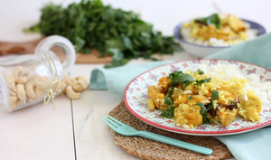 Curry de courge butternut rôtie au lait de coco, à la coriandre et aux noix de cajou