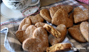 Biscuits ginger nuts