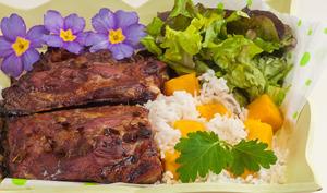 Travers de porc au riz et à mangue