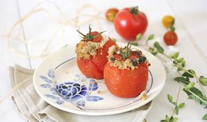 Tomates farcies au quinoa, citron confit et aubergine