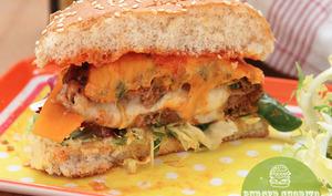 Burger chorizo fourré à la mozzarella