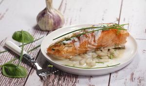 Pavés de saumon aux mogettes et à la crème d'ail