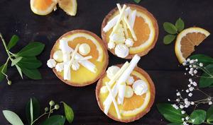 Tartelettes au curd d'orange et petites meringues croquantes