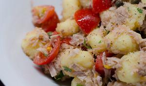 Gnocchi au thon, aux câpres et aux tomates cerises