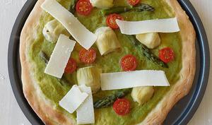 Pizza à l'asperge et artichaut
