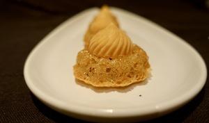 Tourbillons abricot sur biscuit st honoré