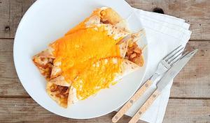 Enchiladas poivrons, poulet, tomates, mozzarella