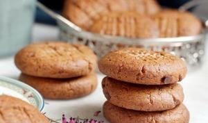 Les biscuits sont dans la boîte