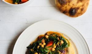 Curry de pois chiches et épinards et ses naans indiens