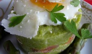 Mousse d'asperges vertes au saumon et son œuf