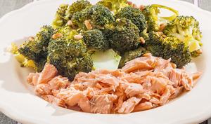 Salade de brocolis au saumon