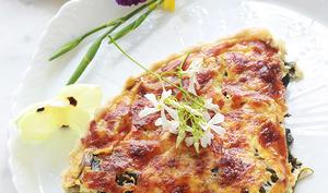 Quiche au thon, poireaux, champignons et fromage