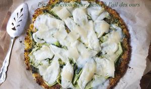 Pizza au chou-fleur, pesto à l'ail des ours
