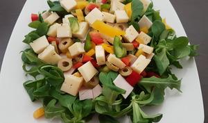 Salade aux poivrons et tomme de Savoie