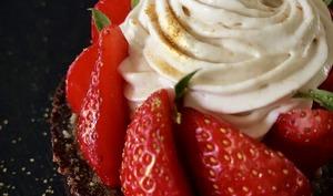 Tartelettes aux fraises pralinées