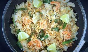 Pad thaï aux crevettes et au porc