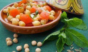 Salade de pois-chiches et tomates à l'orientale