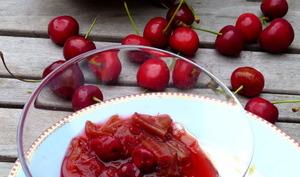Rhubarbe et cerises rôties