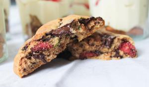 Cookies fraises séchées et basilic