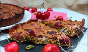 Tarte aux cerises et pistaches