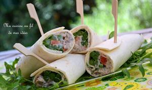 Wraps aux sardines et asperges vertes, yaourt grec, tomate et échalote...