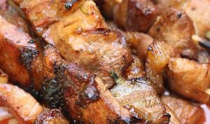 Brochettes de porc comme aux Philippines