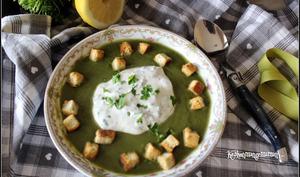 Crémeux velouté de légumes verts et sa chantilly citronnée au cerfeuil