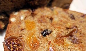 Cake aux fruits secs et aux épices
